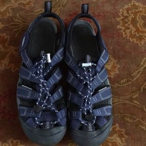 Keen navy blue Sandals Sz.9